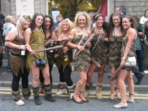 Saddleworth_roundtable_beerwalk_cave_girls_-_geograph